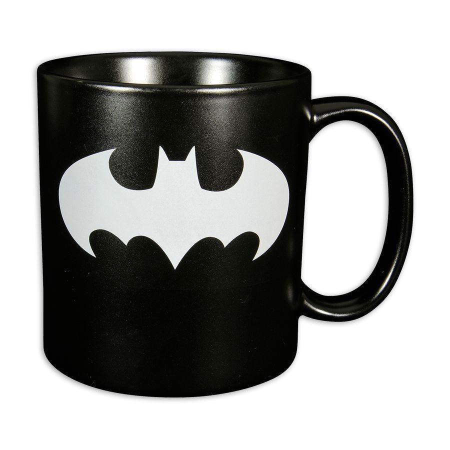 batman xxl tasse mit logo bei close up im fan store erh ltlich. Black Bedroom Furniture Sets. Home Design Ideas