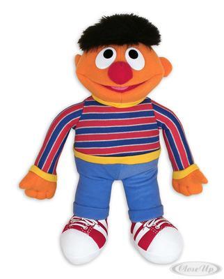 Sesamstrasse Plüschfigur Ernie   Kinderzimmer > Spielzeuge > Stofftiere